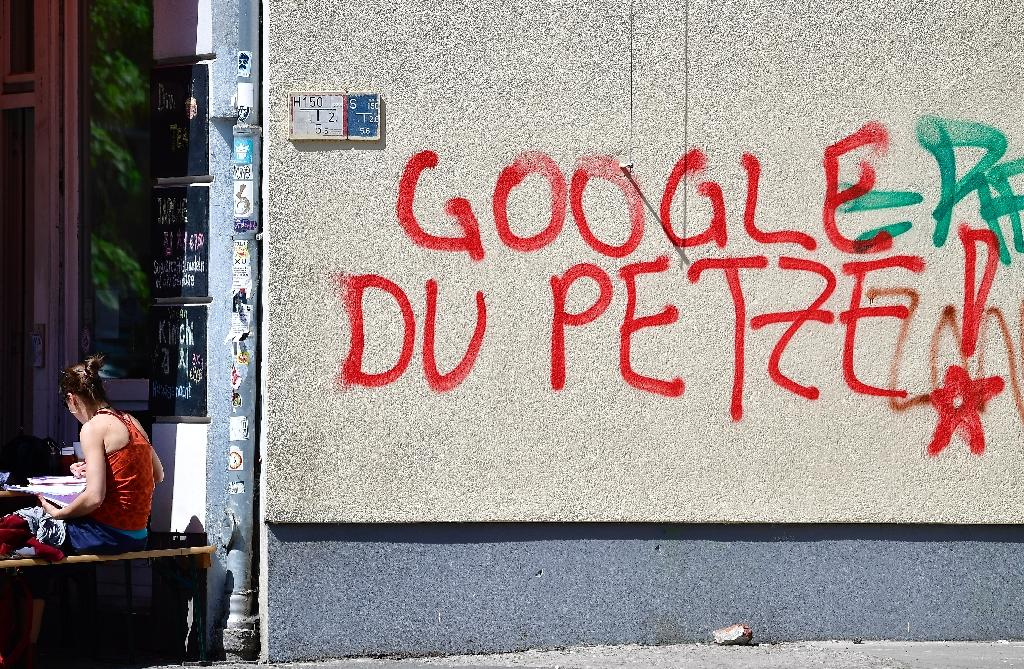 """""""Google, you snitch!"""" reads this graffiti, which appears to accuse the tech giant of passing on information to security services (AFP Photo/Tobias SCHWARZ)"""