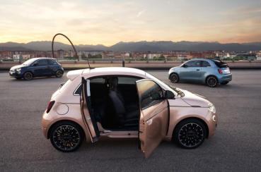 Fiat 500e推出新車型3+1 ? 多了一片小門的用意是?