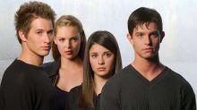 Regocijo para los amantes de las series noventeras: preparan un reboot de Roswell