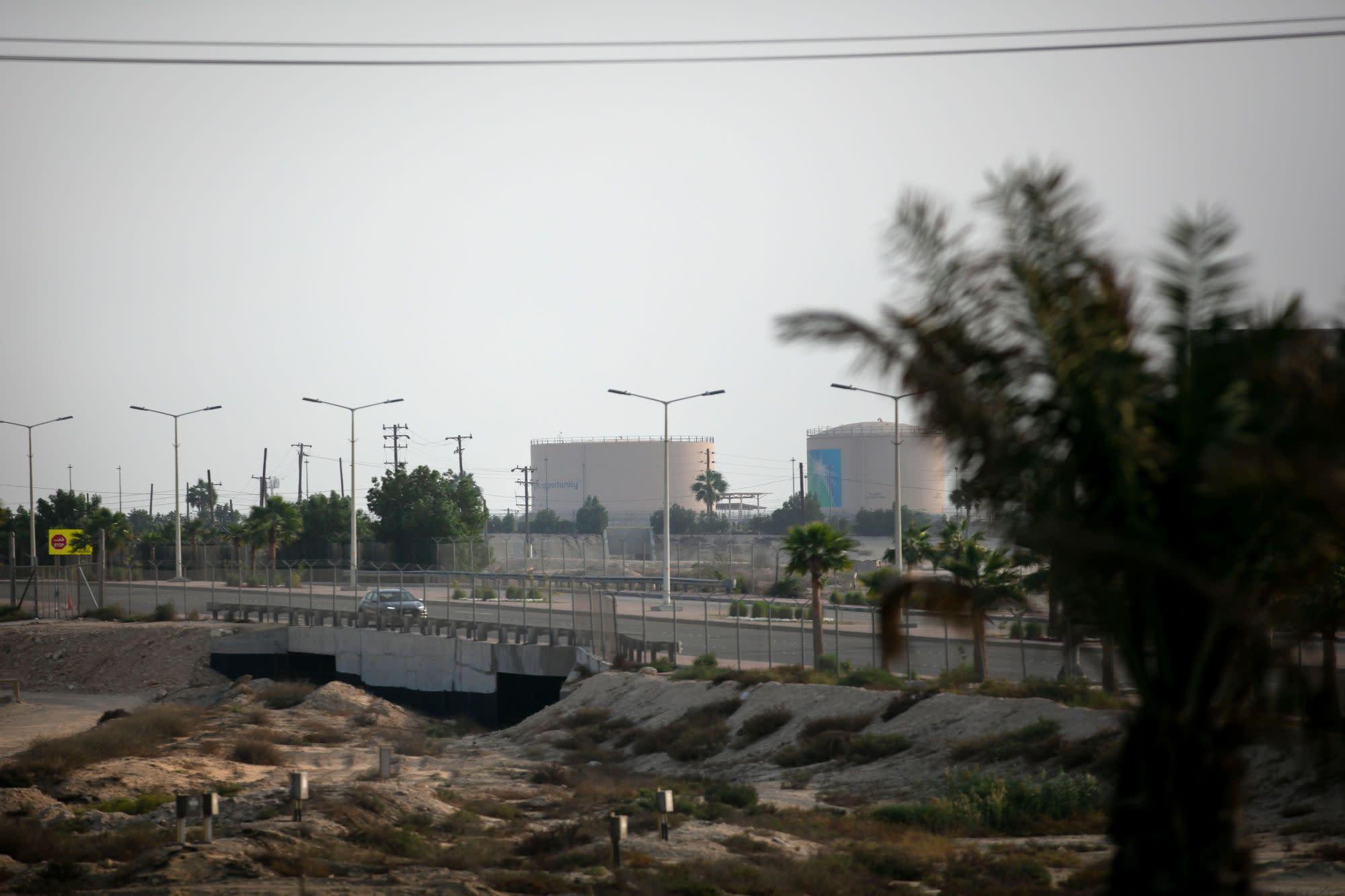 News post image: Virus Onslaught Deepens Gulf Disquiet Over Saudi Oil-Price War