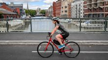 Most Brits want cyclists to have ID numbers and get penalty points for breaking rules