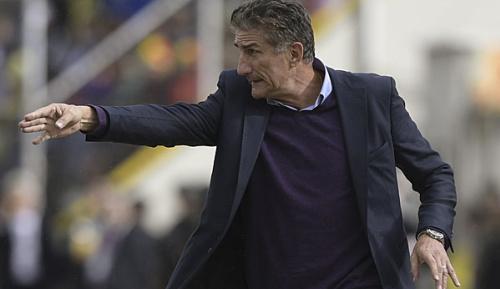 International: Medien: Argentiniens Nationaltrainer vor dem Aus