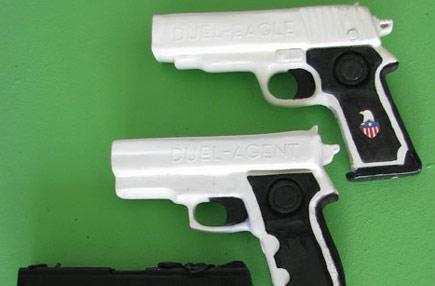 MoProUSA shows off fully integrated Wiimote pistols, tempts investors (video)
