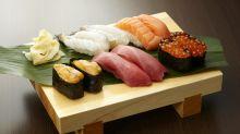 Profesora de biología analiza el sushi de varios restaurantes y revela el fraude de sus ingredientes
