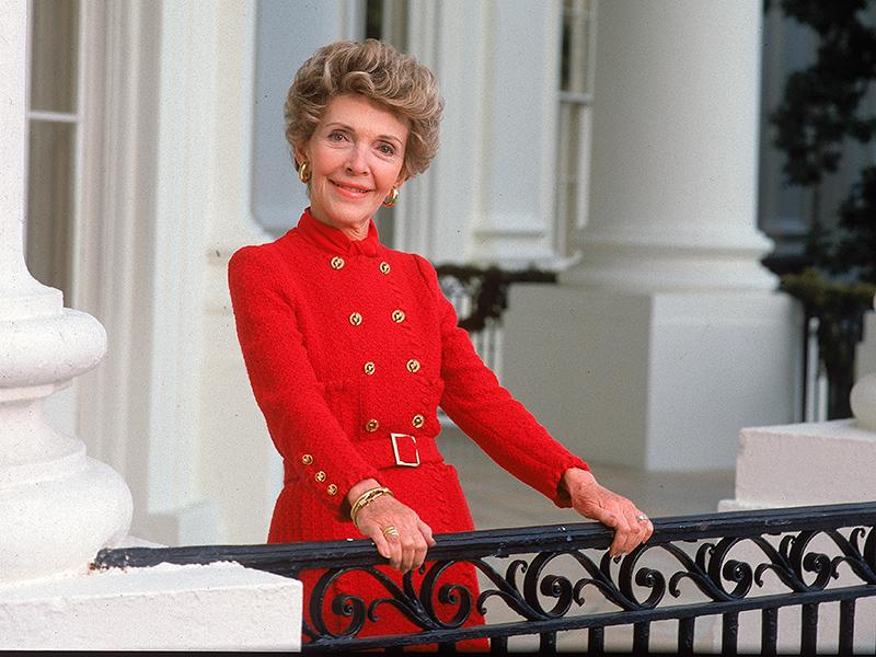 nancy reagan Nancy reagan visited the california grave of her husband, former president ronald reagan.