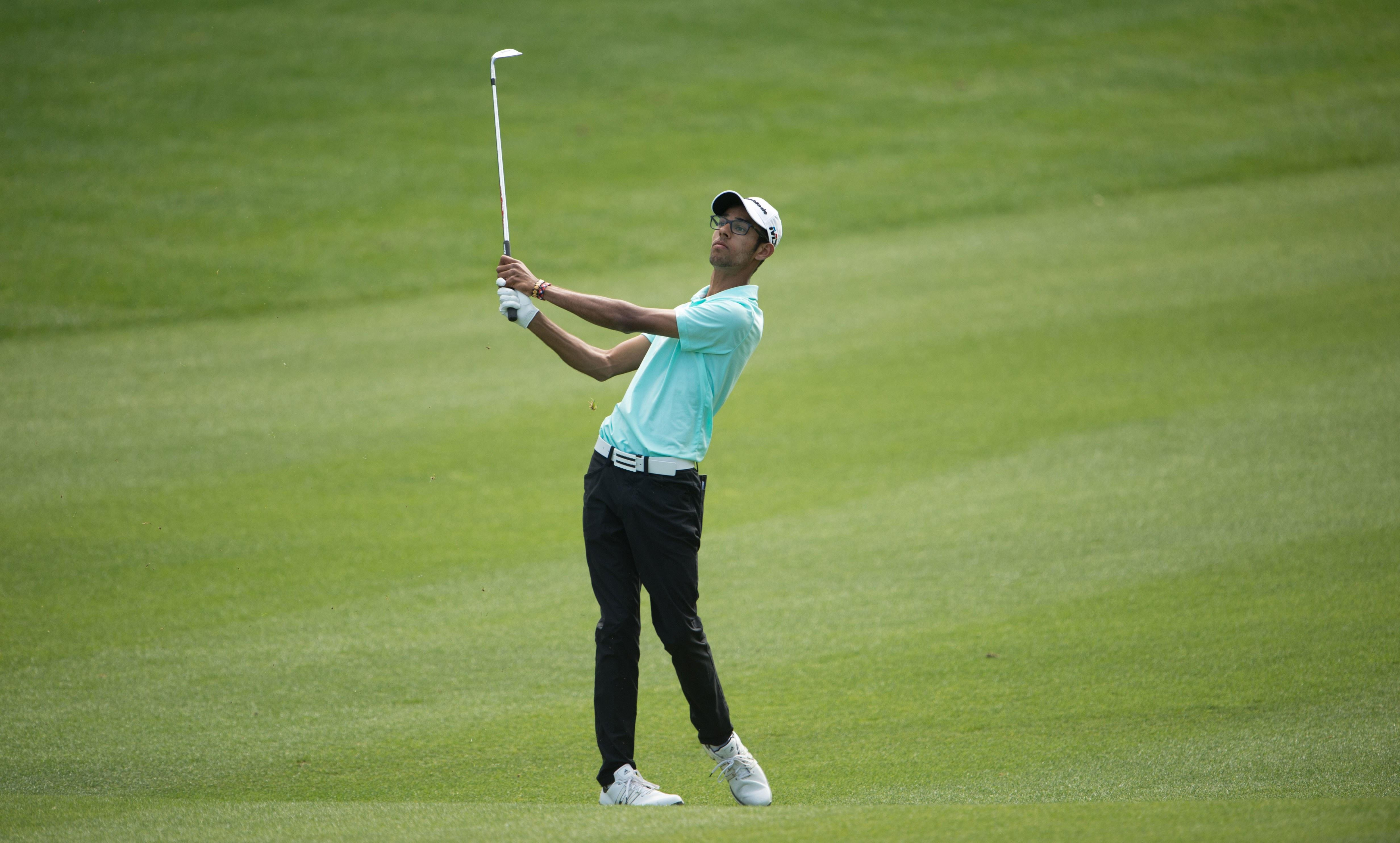 Rising junior gets penalty for rangefinder mishap, hangs on to win prestigious title