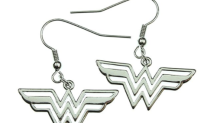"""9 pieces of """"Wonder Woman"""" merch you can buy from Amazon, fittingly"""