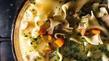 2 versiones de la clásica sopa de pollo