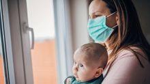 Für Pandemien wie Corona: Chinese erfindet virensichere Baby-Tragetasche