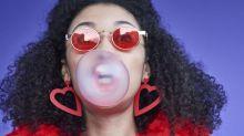 Multa por mascar chicletes: as leis mais bizarras pelo mundo