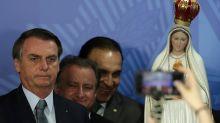 'A cada ataque ao Congresso, Bolsonaro afunda mais', diz especialista sobre reforma