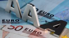 EUR/USD Weekly Price Forecast – Euro Falling Towards Major Support