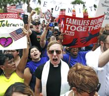 US judge criticizes plan to reunify families split at border