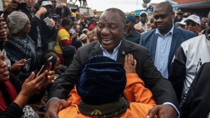 'Huge' challenges as South African president is sworn in