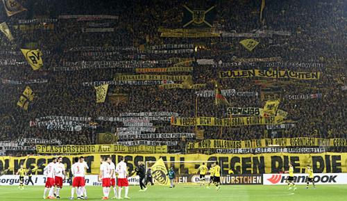 """Bundesliga: Nach Krawallen in Dortmund: Leipzig sieht """"Problem der gesamten Bundesliga"""""""