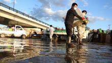 En fotos: suben a 70 los muertos por el tifón Hagibis en Japón y se esperan más lluvias