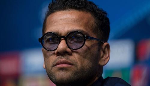 "Champions League: Alves: ""Barca? Manche dort haben gigantische Egos"""