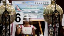 "Gobierno de México crea 100 nuevos millonarios con ""rifa"" de avión presidencial"