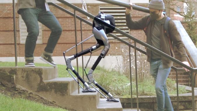 A blind bipedal robot has learned to tackle stairs