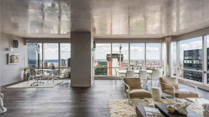 Sean diddy combs finally sheds new york city condo for Condos for sale in new york