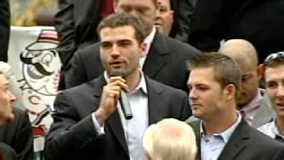 Reluctant Votto Prodded To Speak At Reds Rally
