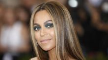 Beyoncé donates four college scholarships to lucky students