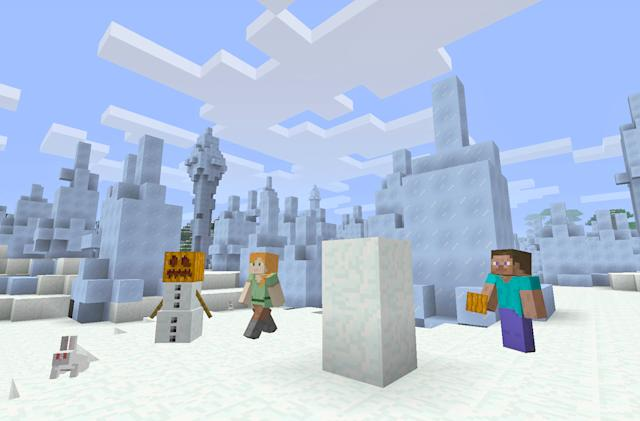 'Minecraft' on mobile to get mods and command blocks