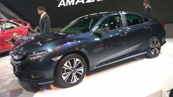 auto expo 2018 new honda civic and cr v coming to india with diesel engines this year. Black Bedroom Furniture Sets. Home Design Ideas