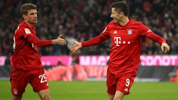Bayern bate recorde de 34 anos na Bundesliga e Lewandowski alcança marca de Gerd Muller