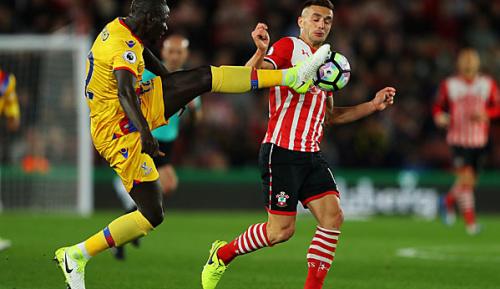 Premier League: AS Rom an Liverpool-Verteidiger Sakho interessiert