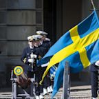 Amazon launches in Sweden with wrong flag and rude translations