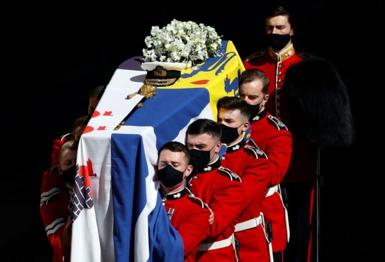 Entre o recolhimento e o fervor, os grandes funerais reais no Reino Unido