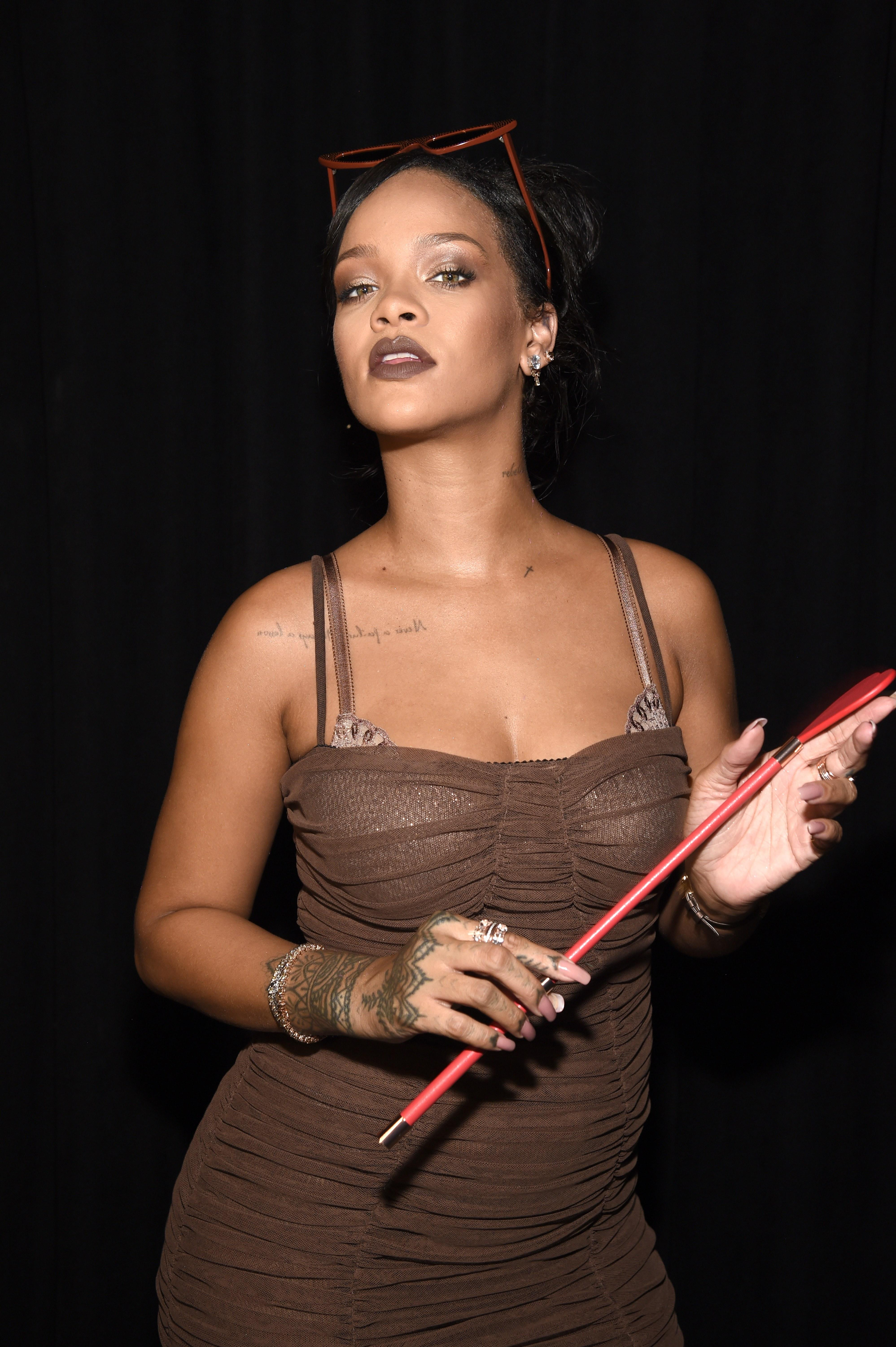Women Are Praising Rihanna For Creating A Universal Nude -7371