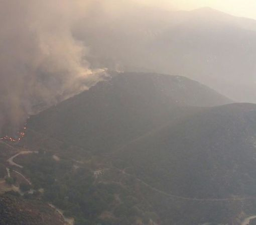 Hundreds of homes evacuated as wildfire spreads north of Los Angeles