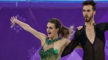 Eiskunstlauf bei Olympia: Müssen die Kostüme wirklich so knapp sein?