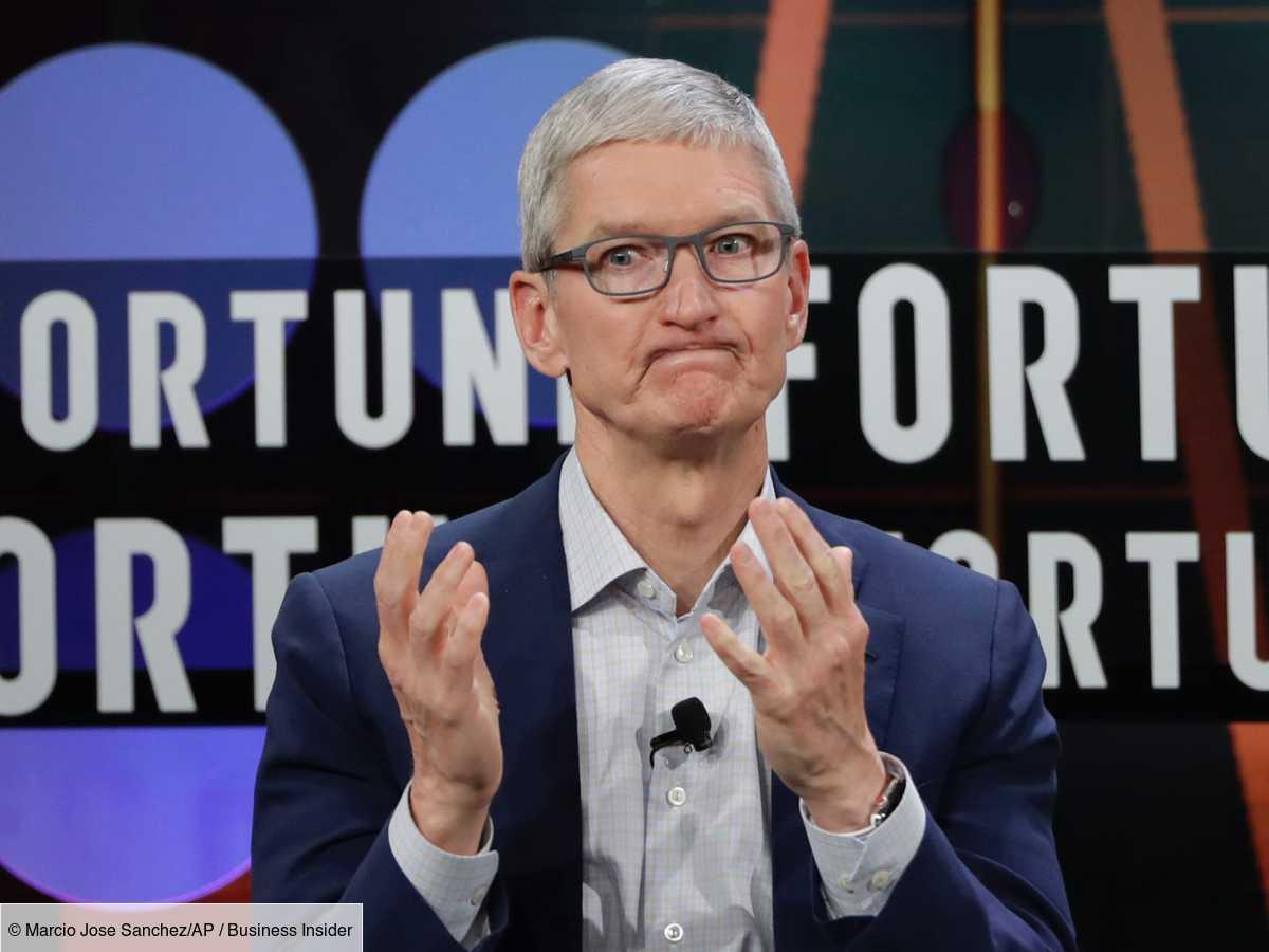 Le DG d'Apple, Tim Cook, a atteint le statut de milliardaire, selon une analyse de Bloomberg. Sa fortune de plus d'un milliard de dollars est composée de l'argent qu'il a gagné chez Apple grâce à son salaire, du nombre d'actions q