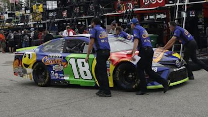 Kyle Busch earns 8th pole of the season