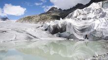Schweizer Gletscher verlieren im Hitzesommer massiv an Eis