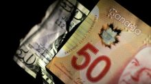 Canadian dollar climbs off 11-day low as oil prices rise