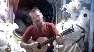 Raw: Astronaut Exits ISS With Music Video