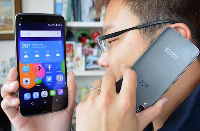 Alcatel OneTouch Idol 3 can take phone calls even when upside down
