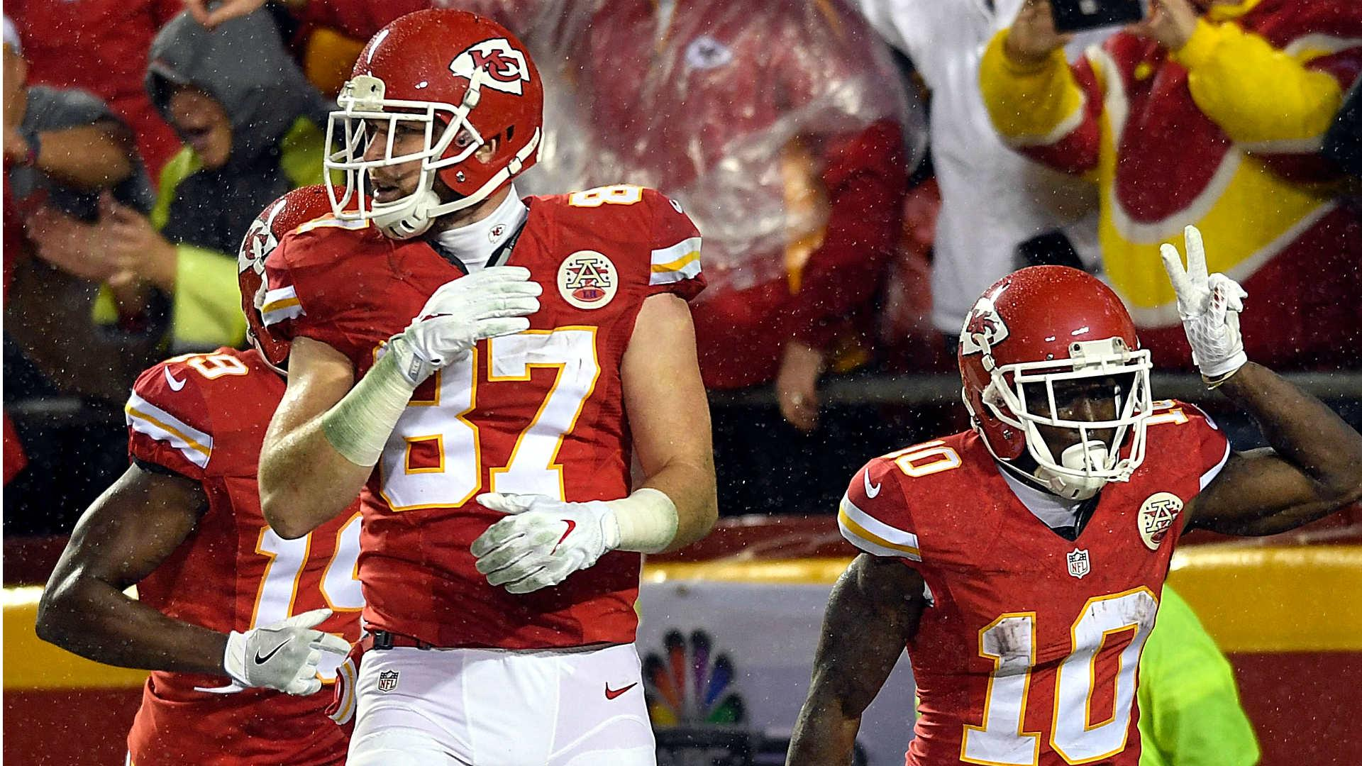 NFL AFC Playoff Field Set As Wins By Steelers Chiefs Get Dolphins In