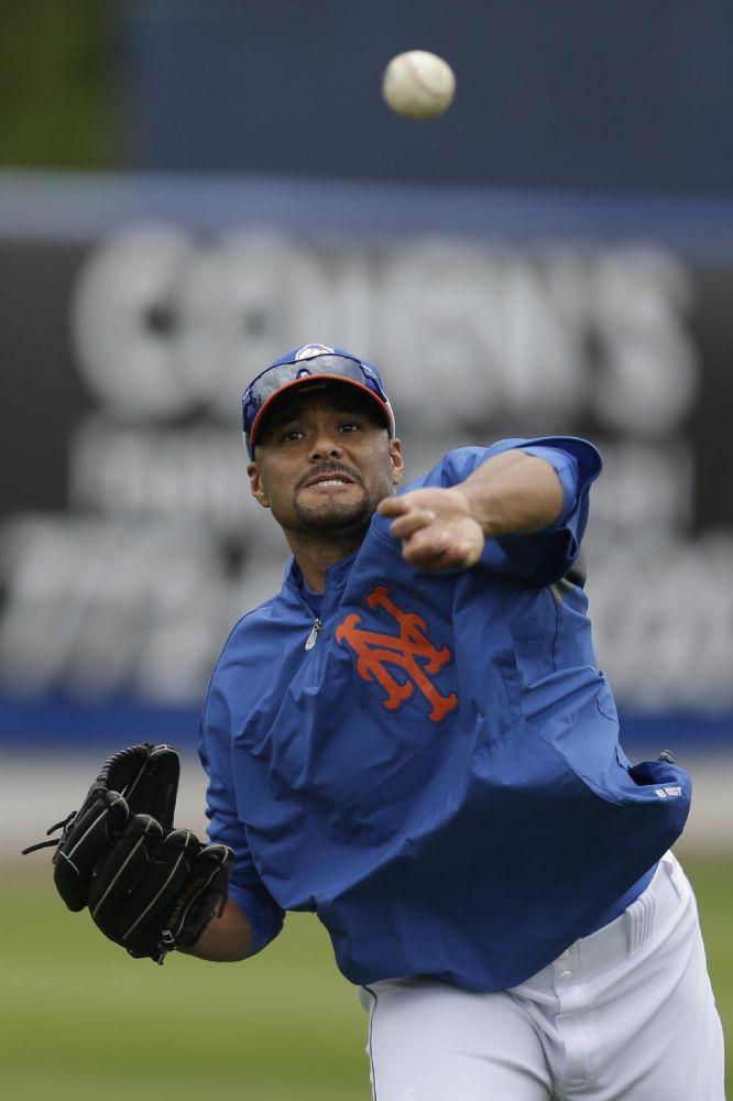 Johan Santana, Orioles agree to minor league deal