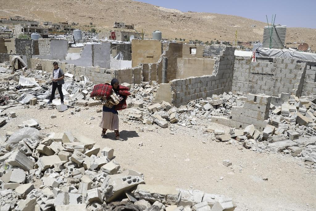 Syrian refugees have been ordered by the Lebanese government to demolish cinderblock shelters (AFP Photo/JOSEPH EID)