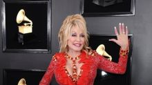 Covid-19: Dolly Parton a contribué à hauteur d'un million de dollars au financement du vaccin Moderna