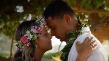 """Em lua de mel no Havaí, Xanddy avisa aos filhos: """"Preparem-se para um irmãozinho"""""""