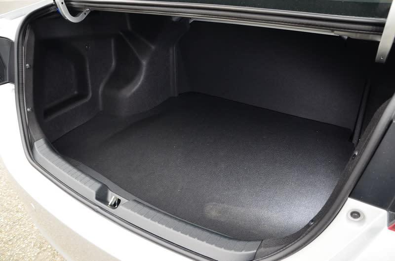 即便定位在入門房車,行李廂空間仍有473公升的超大容量