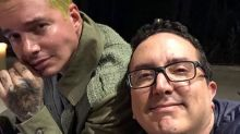 """J Balvin promueve reto de los amigos """"nerd"""" y presenta al suyo; entérate de la campaña"""