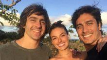 Após reatar namoro, Isis Valverde posta primeira foto com André Resende