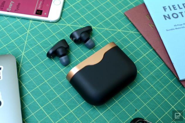 Sony's stellar WF-1000XM3 wireless earbuds are under $200 at Amazon